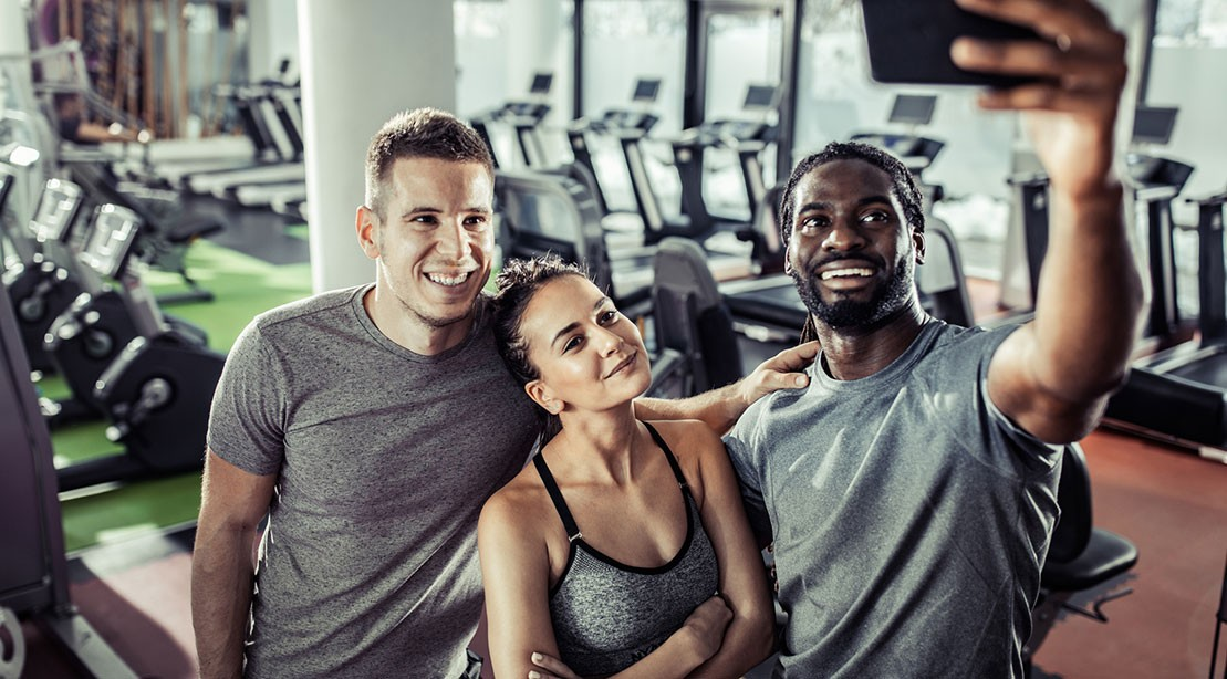 5 GREAT REASONS YOU SHOULD SHARE GYM SELFIES