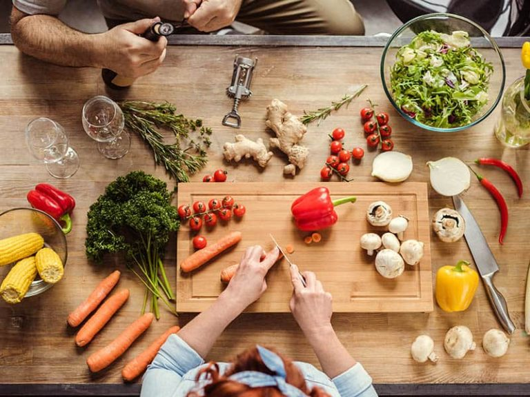 How to Pick a Meal Delivery Service for Vegan, Paleo & Keto Diets